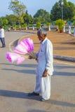 La gente di vendite all'offerta del portone dell'India Fotografie Stock Libere da Diritti
