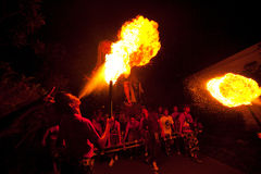 La gente durante il giorno di silenzio su Bali nella notte Fotografia Stock Libera da Diritti
