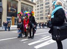 Godere della parata del cofano di Pasqua immagini stock
