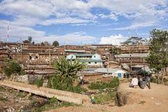 La gente e Kibera Fotografia Stock