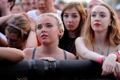 La gente (fan) al festival 2013 FIB (Festival Internacional de Benicassim) Fotografie Stock Libere da Diritti