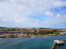 La gente gode del monarca della nave da crociera che viaggia Aruba, il Bonaire, nel curacao, nel Panama e Cartagine fotografia stock libera da diritti