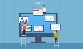 La gente ha messo le statistiche e l'analisi dei dati di web dell'affare sul monitor Fotografie Stock