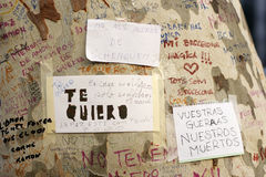 La gente ha riunito sul ` s Rambla di Barcellona dopo il atack del terrorista Immagini Stock Libere da Diritti