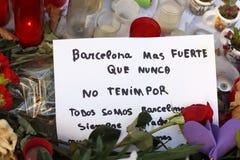 La gente ha riunito sul ` s Rambla di Barcellona dopo il atack del terrorista Fotografia Stock