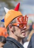 La gente holandesa celebra el día del ` s del rey, Tilburg, Países Bajos Foto de archivo