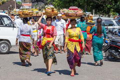 La gente indonesia celebra Año Nuevo del Balinese y la llegada de la primavera Imagen de archivo