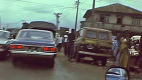 La gente a Lagos Nigeria video d archivio