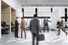 La gente nei cubicoli dell'ufficio con le immagini Immagini Stock Libere da Diritti