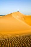 La gente nel deserto   Fotografia Stock
