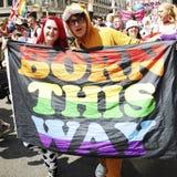 La gente participa en el orgullo gay de Londres Imagen de archivo libre de regalías