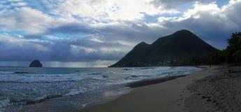 La gente prende un bagno dell'oceano il 31 dicembre 2016 ` Grande Arlet, Marti di Anse d Fotografia Stock Libera da Diritti