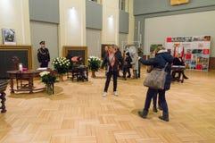 La gente scrive un messaggio della condoglianza per quanto riguarda la morte di sindaco di Danzica Pawel Adamowicz immagine stock