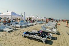 La gente se divierte en el Mar Negro Foto de archivo libre de regalías