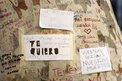 La gente se juntó en el ` s Rambla de Barcelona después de atack del terrorista Imágenes de archivo libres de regalías