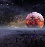 La gente si raccoglie per osservare la luna Immagini Stock Libere da Diritti