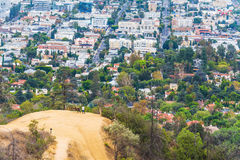 La gente su una piccola collina a Los Angeles Fotografia Stock