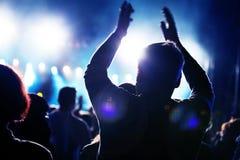 La gente sul concerto di musica Immagini Stock Libere da Diritti