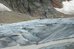 La gente sul ghiacciaio (Steigletscher) in alpi in Svizzera Fotografia Stock Libera da Diritti