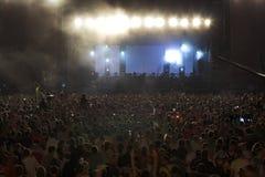 La gente sul grande concerto di musica Fotografia Stock Libera da Diritti