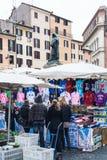 La gente sul mercato libero a Campo de Fiori a Roma Immagine Stock Libera da Diritti