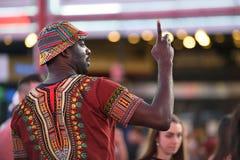 La gente sul Times Square in Manhattan Fotografia Stock Libera da Diritti