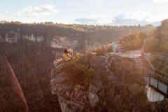 La gente sull'allerta della montagna nel parco nazionale blu Austr delle montagne Immagini Stock Libere da Diritti