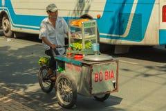 La gente sulla via di paese asiatico - il Vietnam e la Cambogia Fotografia Stock Libera da Diritti