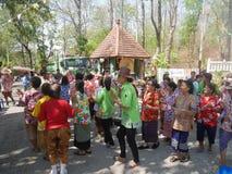 La gente tailandesa celebra el festival de Songkran o el festi tailandés del ` s del Año Nuevo Imagen de archivo