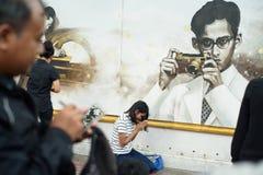 La gente tailandesa se aflige sobre el fallecimiento de rey Rama 9 Foto de archivo