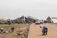 La gente in Toko vicino al lago Volta nella regione del Volta nel Ghana Fotografie Stock Libere da Diritti