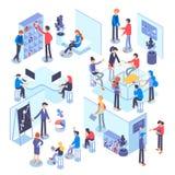 La gente trabaja en un equipo y alcanza la meta Procesos de negocio y situaciones de la oficina Ejemplo isométrico Fotografía de archivo