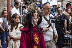 La gente travestita in costumi di Star Wars Immagini Stock