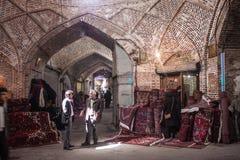 La gente in un bazar Fotografia Stock