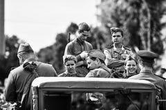 La gente in uniforme militare in onore della festa di Victory Day Fotografia Stock