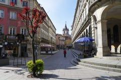 La gente va a fare spese in via principale a Braga Fotografia Stock Libera da Diritti