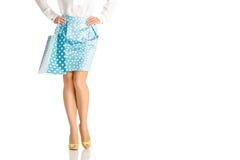 La gente, vendita, concetto nero di venerdì - donna con i sacchetti della spesa Immagine Stock Libera da Diritti