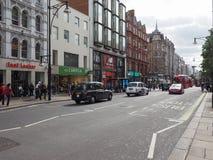 La gente in via di Oxford a Londra Immagine Stock
