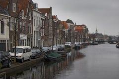 La gente visita la ciudad vieja en Den Bosch, Países Bajos Leiden es la 6ta aglomeración más grande de los Países Bajos Fotos de archivo
