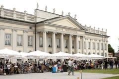 La gente visita el Fridericianum Fotografía de archivo