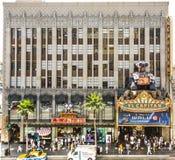 La gente visita il teatro famoso di EL Capitan a Hollywood Fotografie Stock