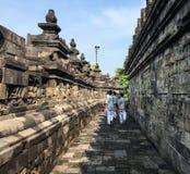 La gente visita il tempio di Borobudur, Indonesia Fotografia Stock