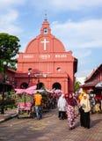 La gente visita la chiesa di Cristo nella città del Malacca, Malesia Fotografia Stock Libera da Diritti