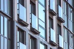 La geometría de texturas en el edificio, la construcción de una construcción de viviendas del planeamiento moderno Piso concreto fotografía de archivo