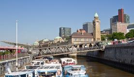 La Germania, Amburgo, ponti di atterraggio Fotografia Stock Libera da Diritti