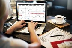 La gestión de la organización del planificador del calendario recuerda concepto imagen de archivo
