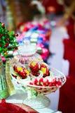 La ghirlanda del fiore per la sposa e lo sposo nelle nozze tailandesi Fotografia Stock