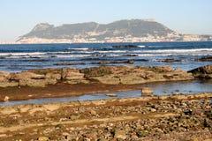 La Gibilterra da Punta San Garcia, vicino ad Algesiras. Immagine Stock Libera da Diritti