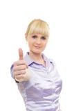 La giovane donna alza il pollice su Immagine Stock