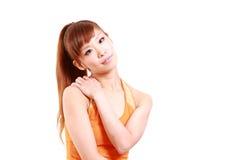 La giovane donna giapponese soffre da un collo rigido Fotografia Stock Libera da Diritti